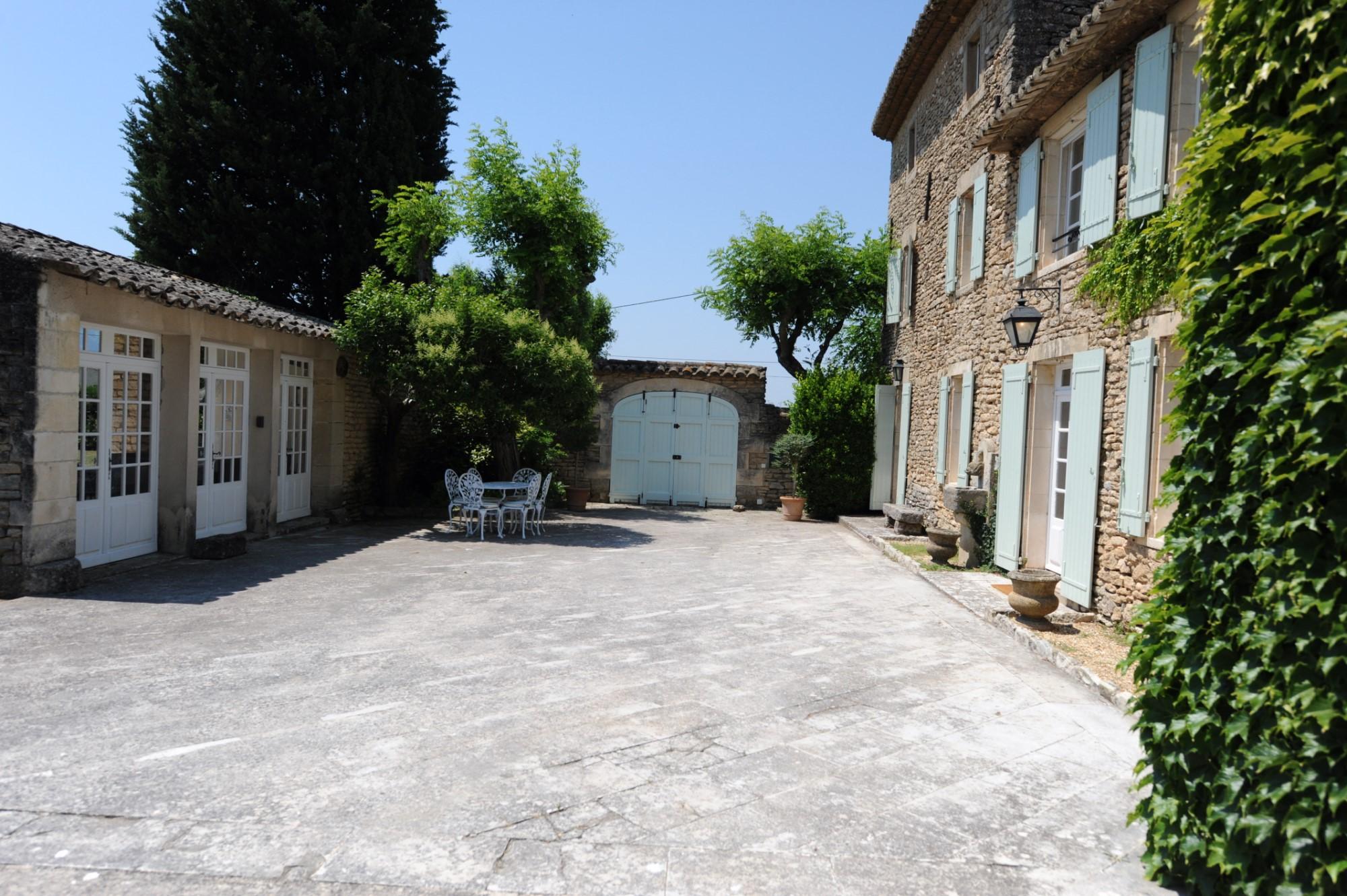 Propriété avec patio en Provence
