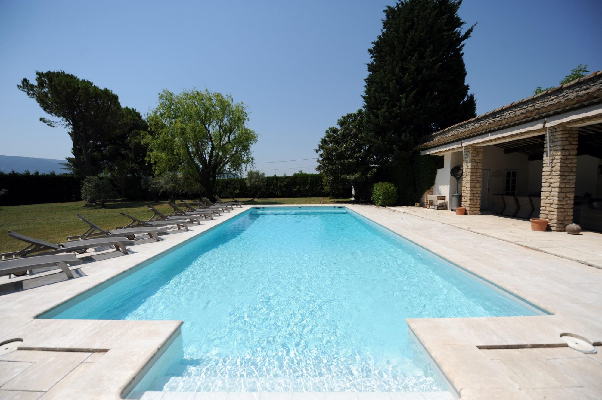 Propriété avec piscine en Provence