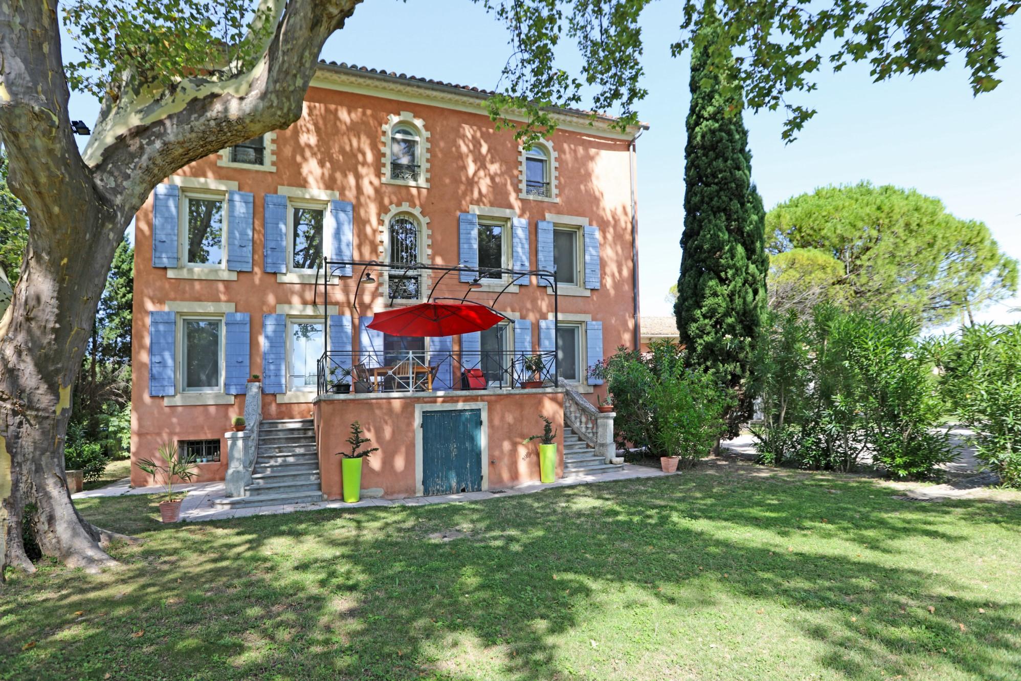Maison de maître en Provence proche Avignon