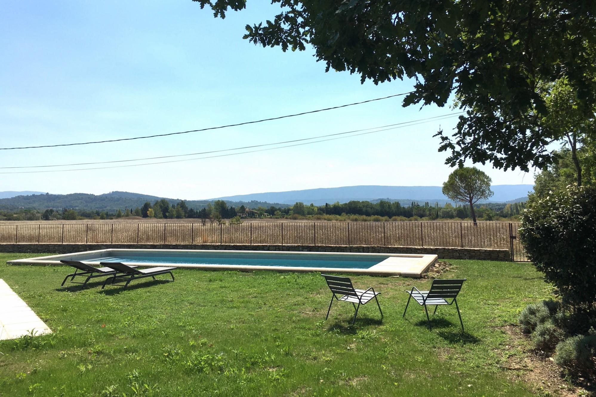 Propriété à vendre à Gordes avec 7 chambres et piscine