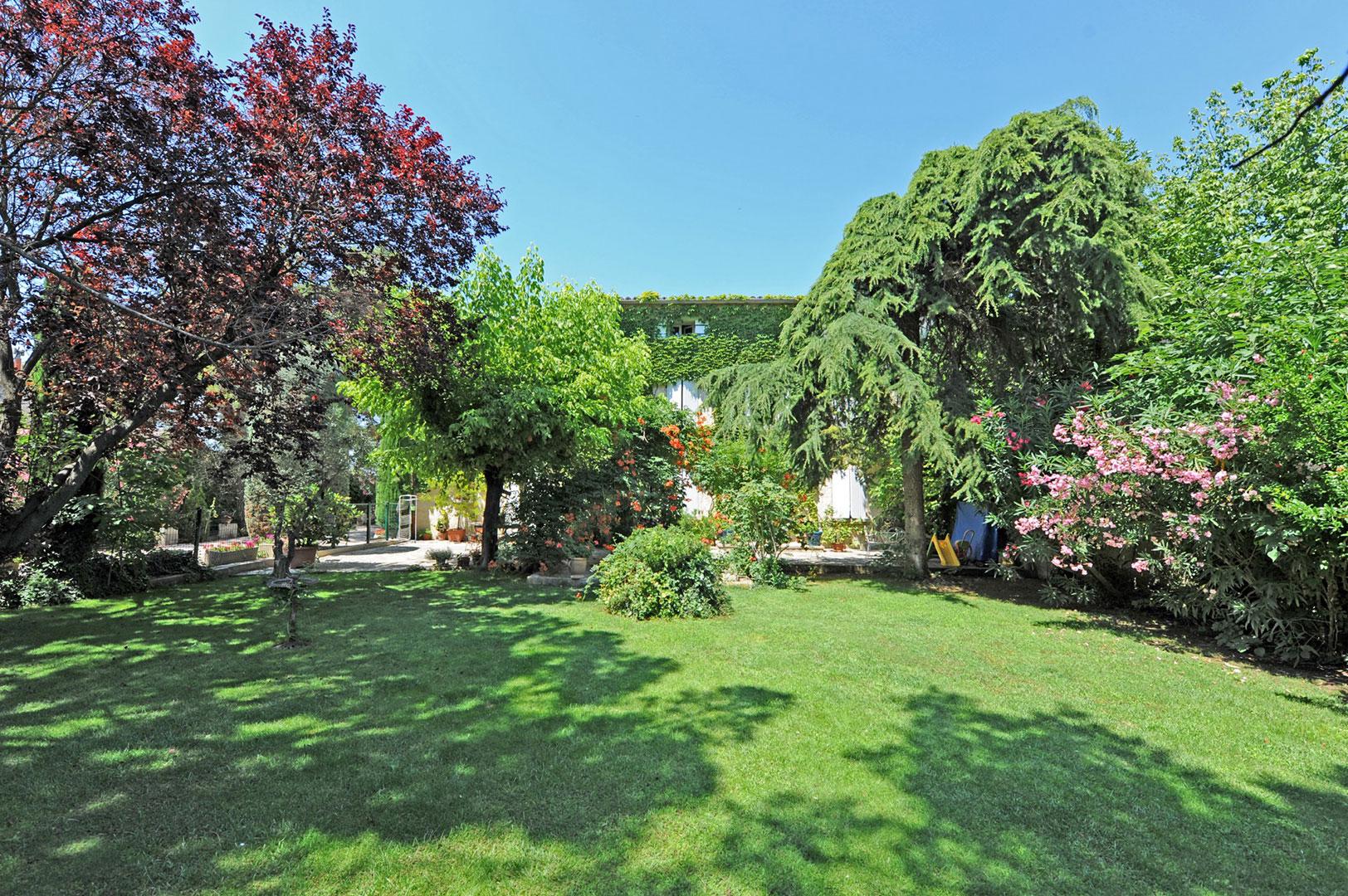 Mas avec jardin et piscine à vendre à Pernes-les-Fontaines par ROSIER