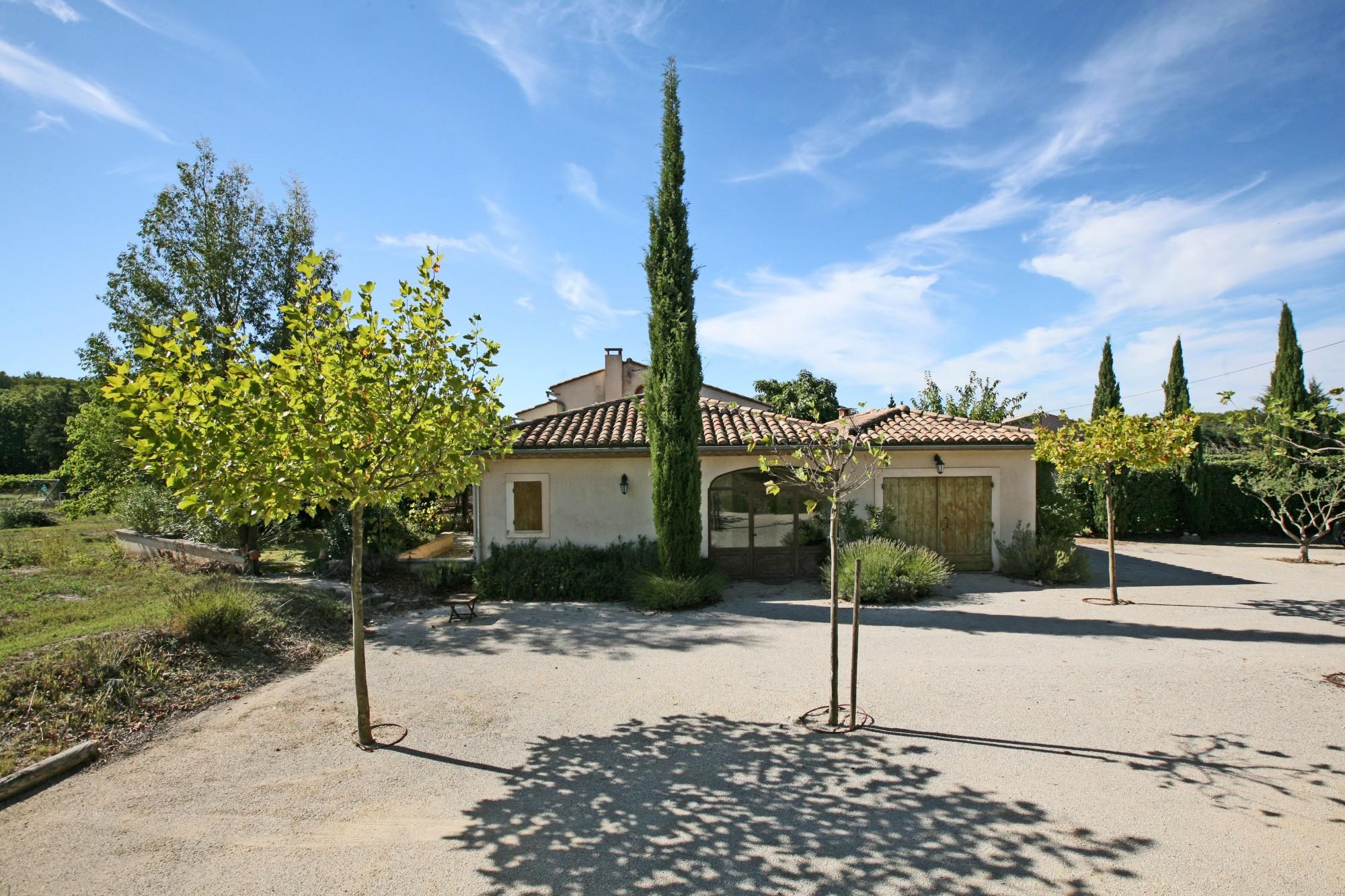 Mas restauré avec piscine en vente en Provence