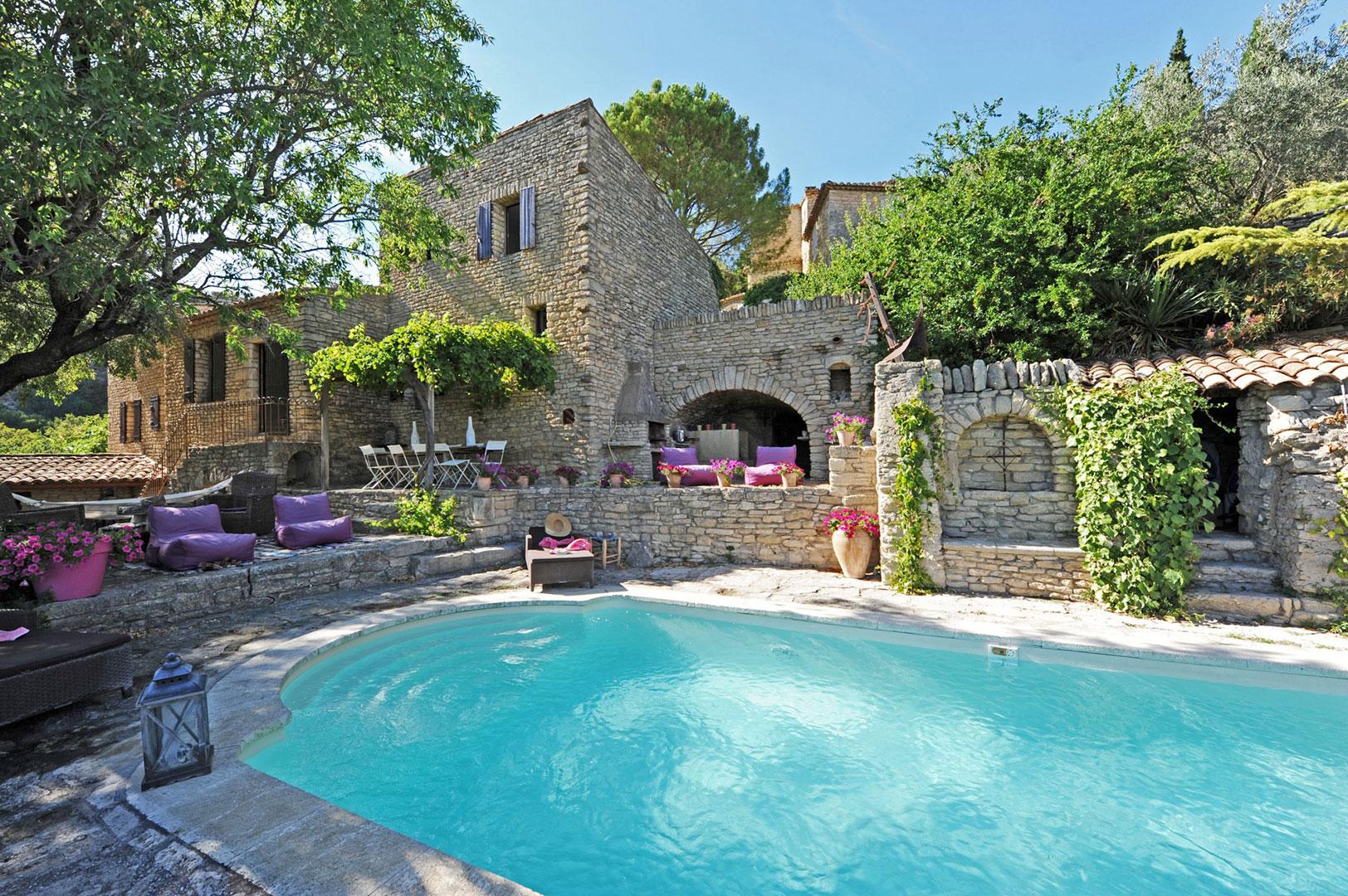 Maison de village avec piscine et vue en vente en Provence