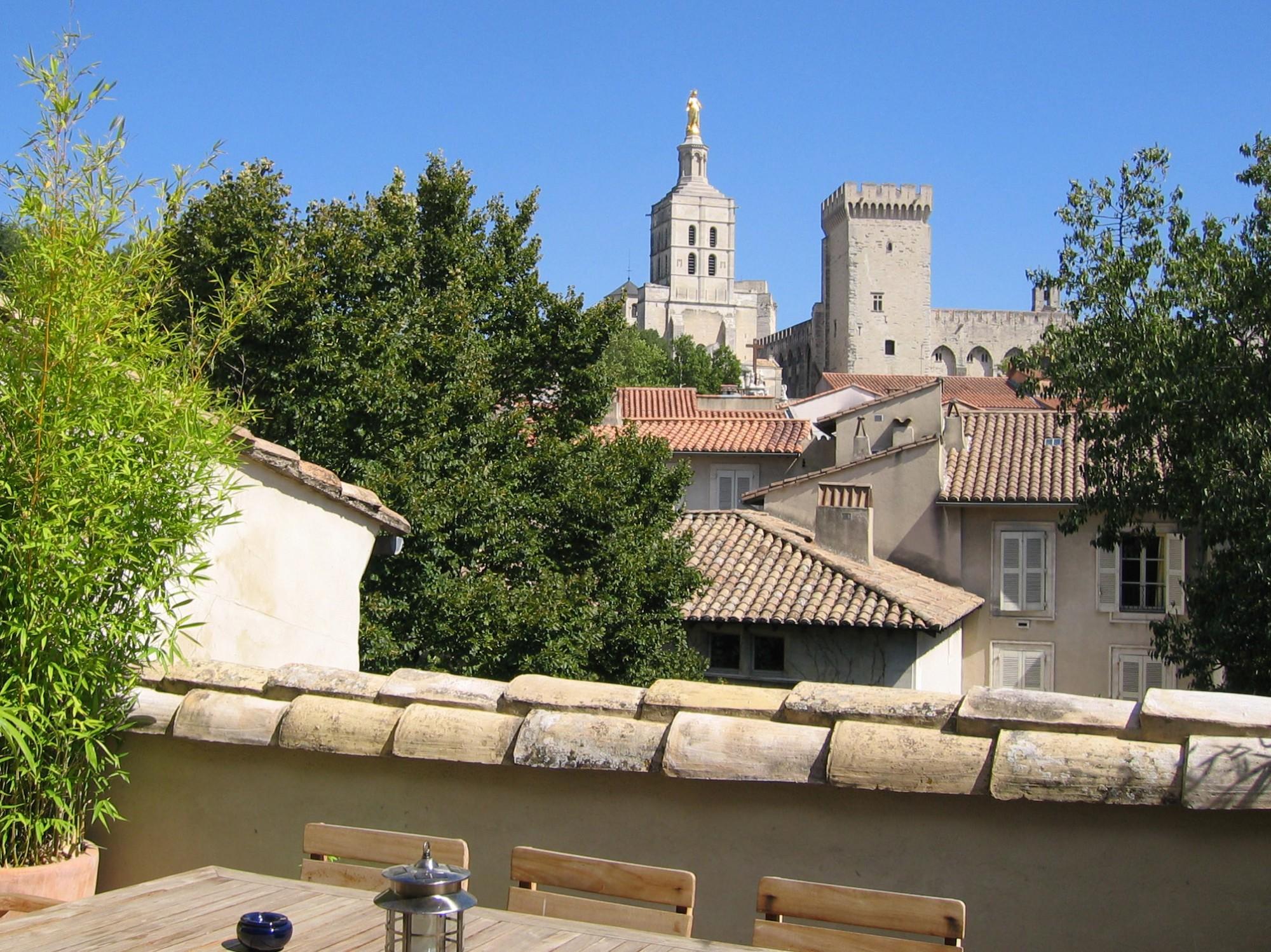 Maison avec terrasse à Avignon intramuros