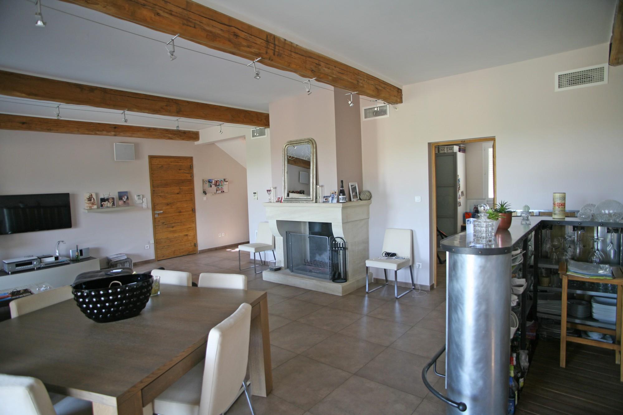 Monts de Vaucluse - Maison traditionnelle avec piscine