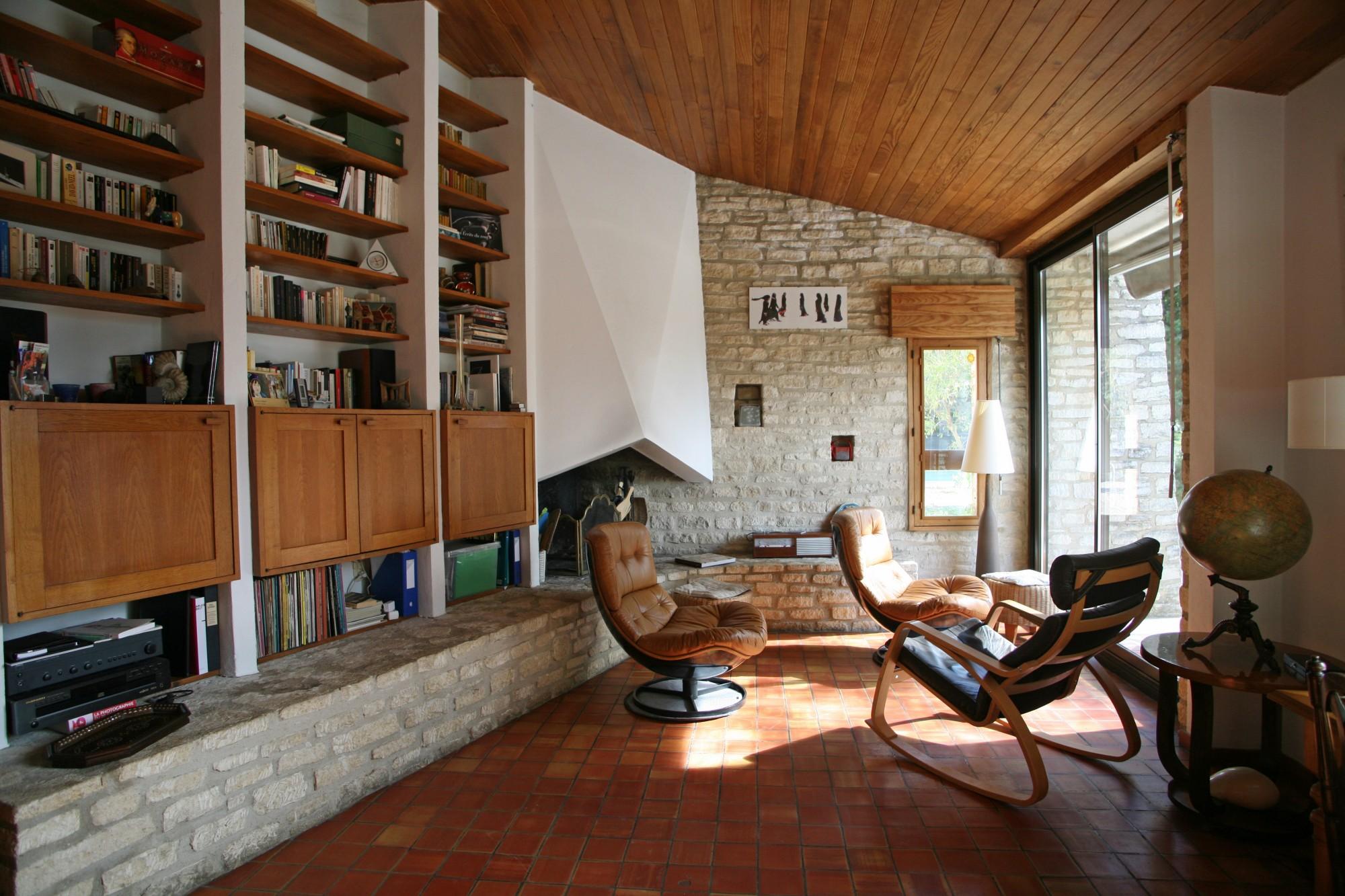 Luberon - Maison contemporaine lumineuse bénéficiant de belles vues