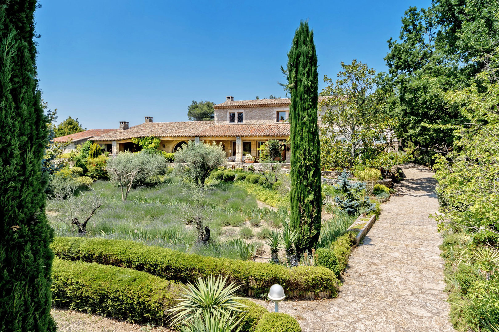 Amazing property in Provence and Luberon