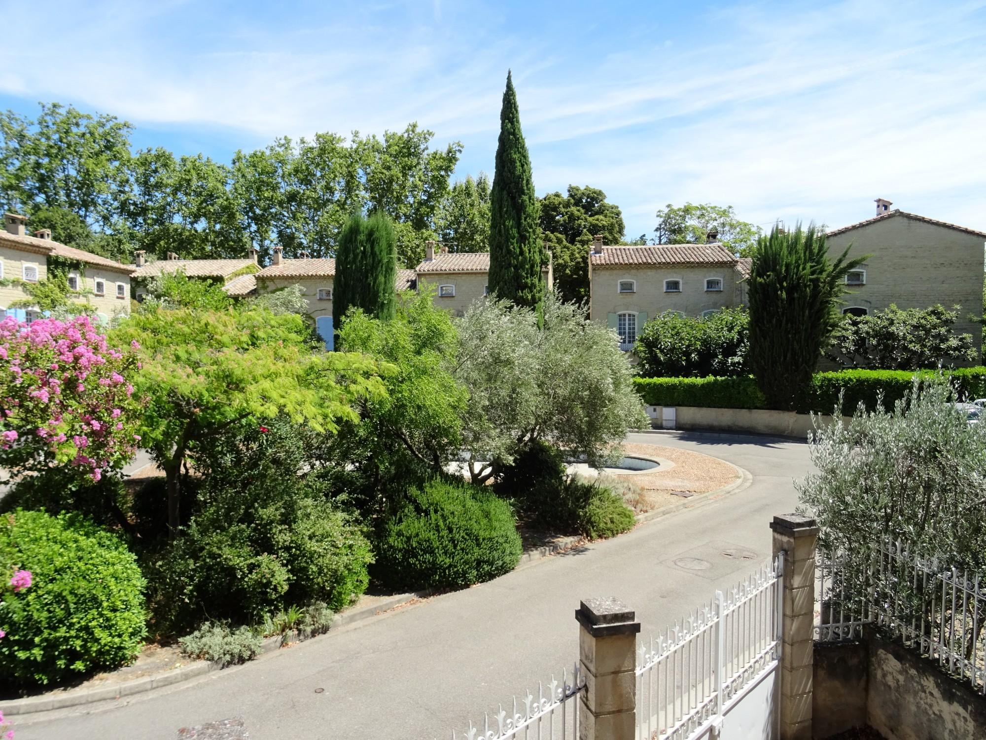 Avignon Sud - Maison dans environnement calme