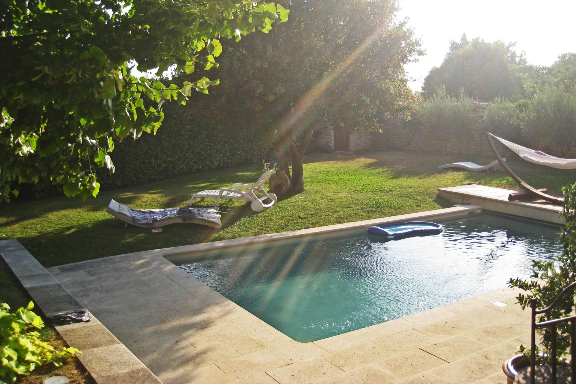 Propriété de village au centre de Gordes avec piscine et spa