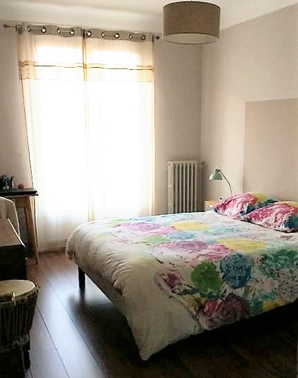 AVIGNON Intra-Muros, Appartement T3 plein sud avec balcon