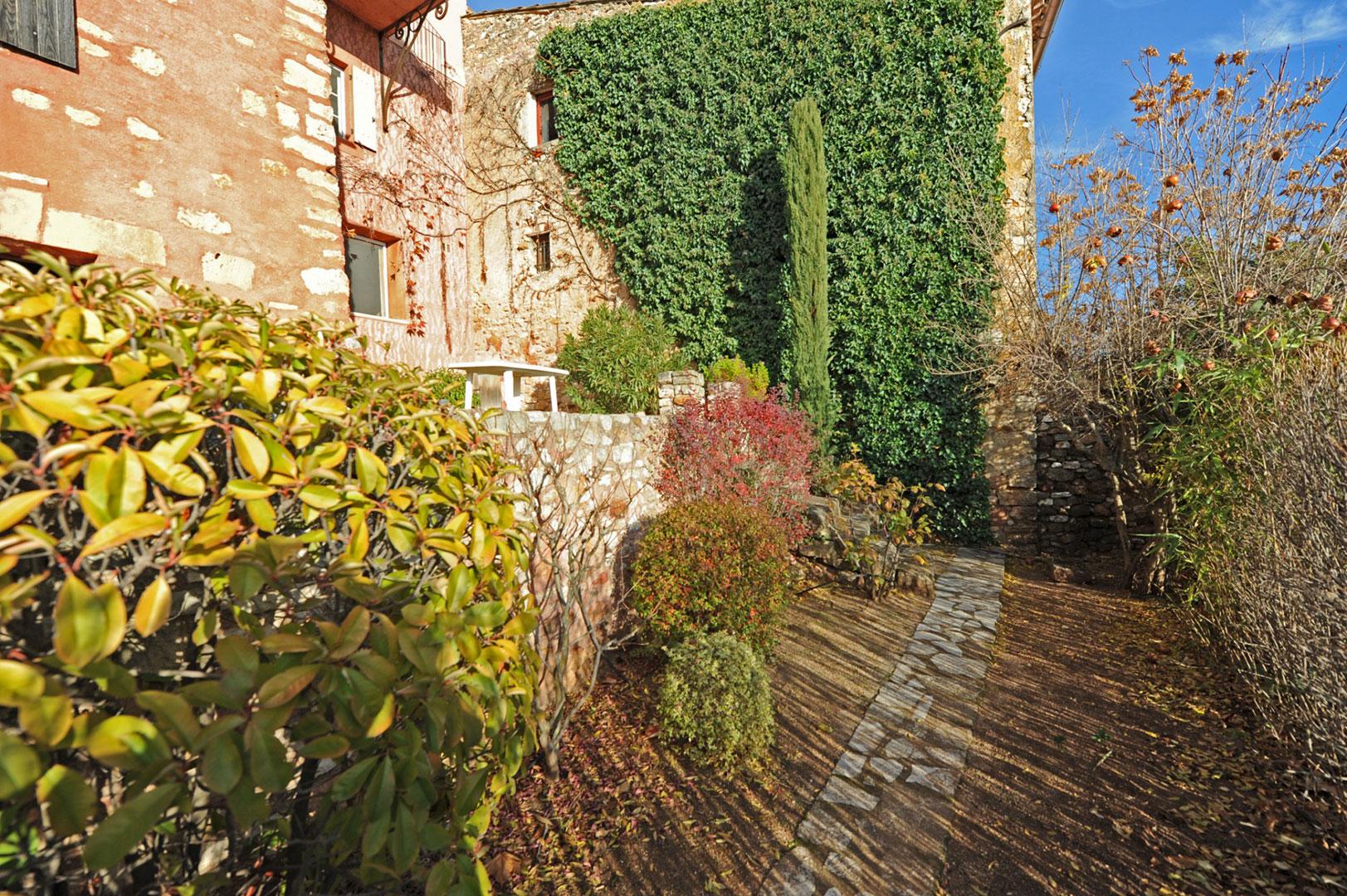 garden Roussillon Provence