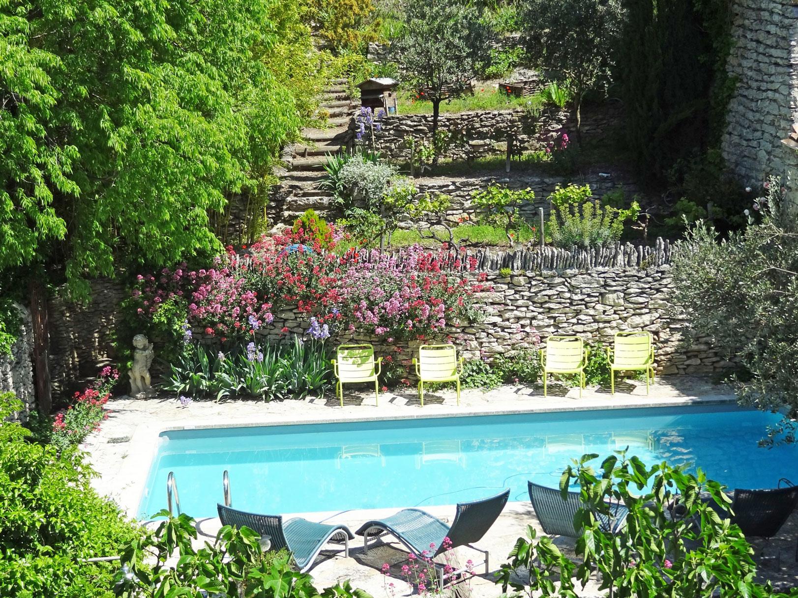 Magnifique maison de village avec piscine et terrain en terrasse