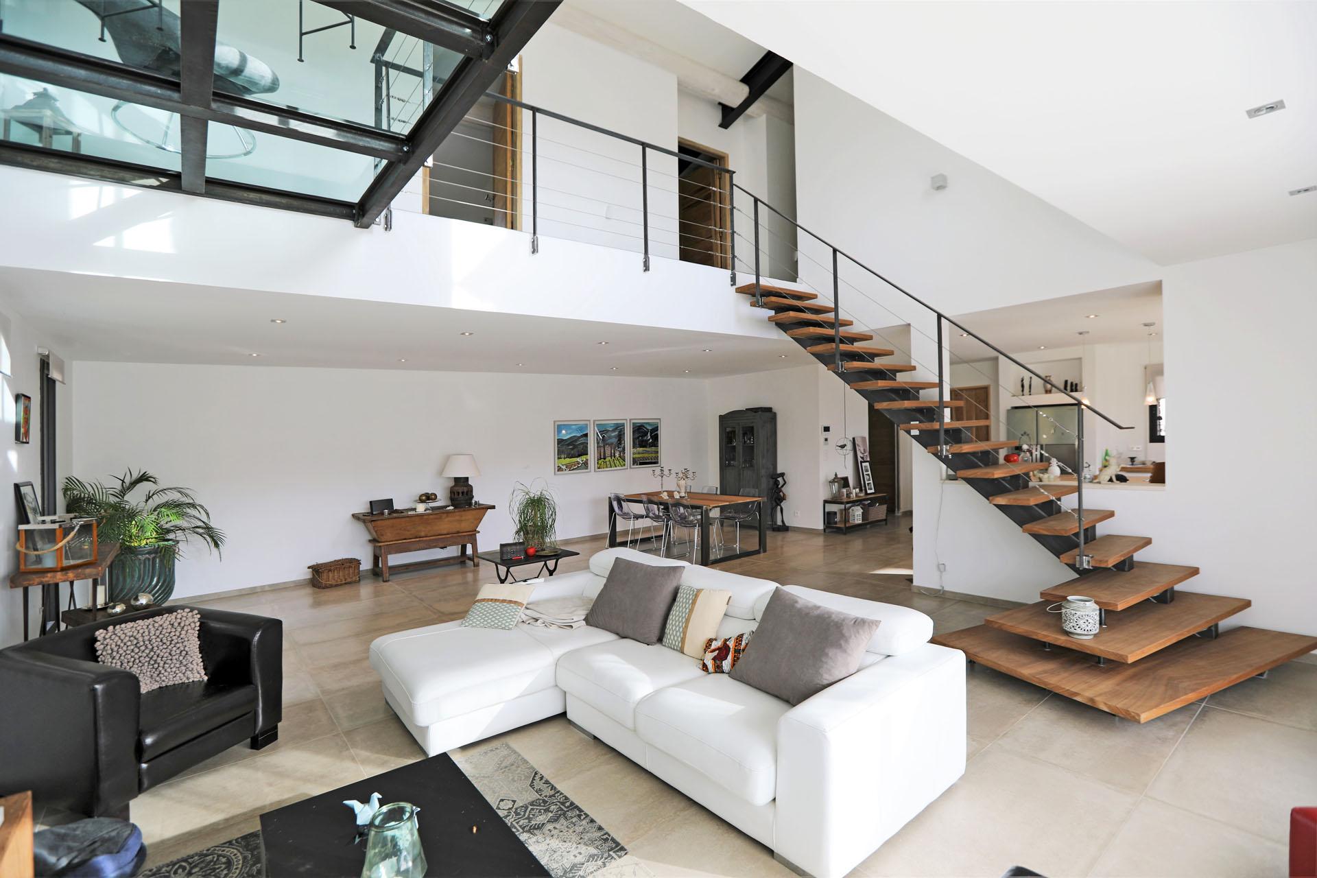 Ventes gordes maison moderne en pierre agence rosier - Maison contemporaine prefabriquee ...