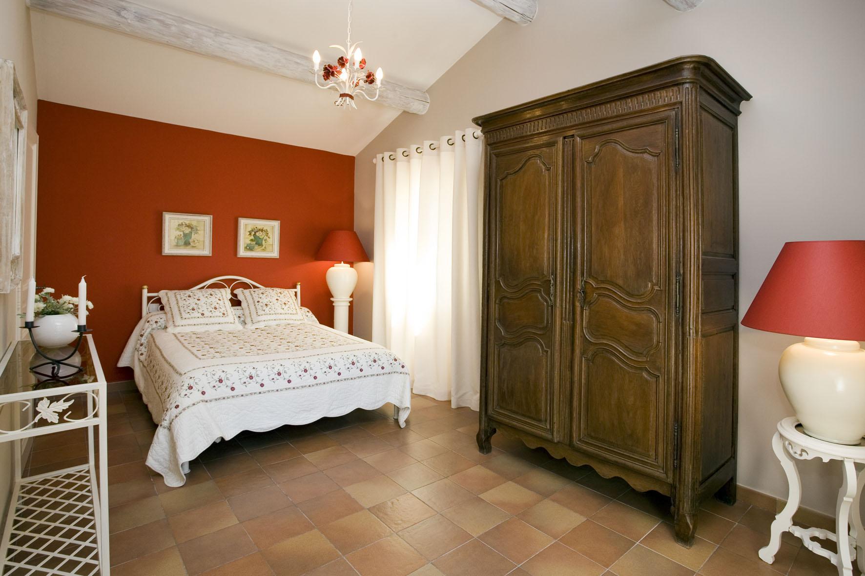 A vendre,  villa de 5 chambres avec piscine sur Saint-Antoine, L'Isle-sur-la-Sorgue