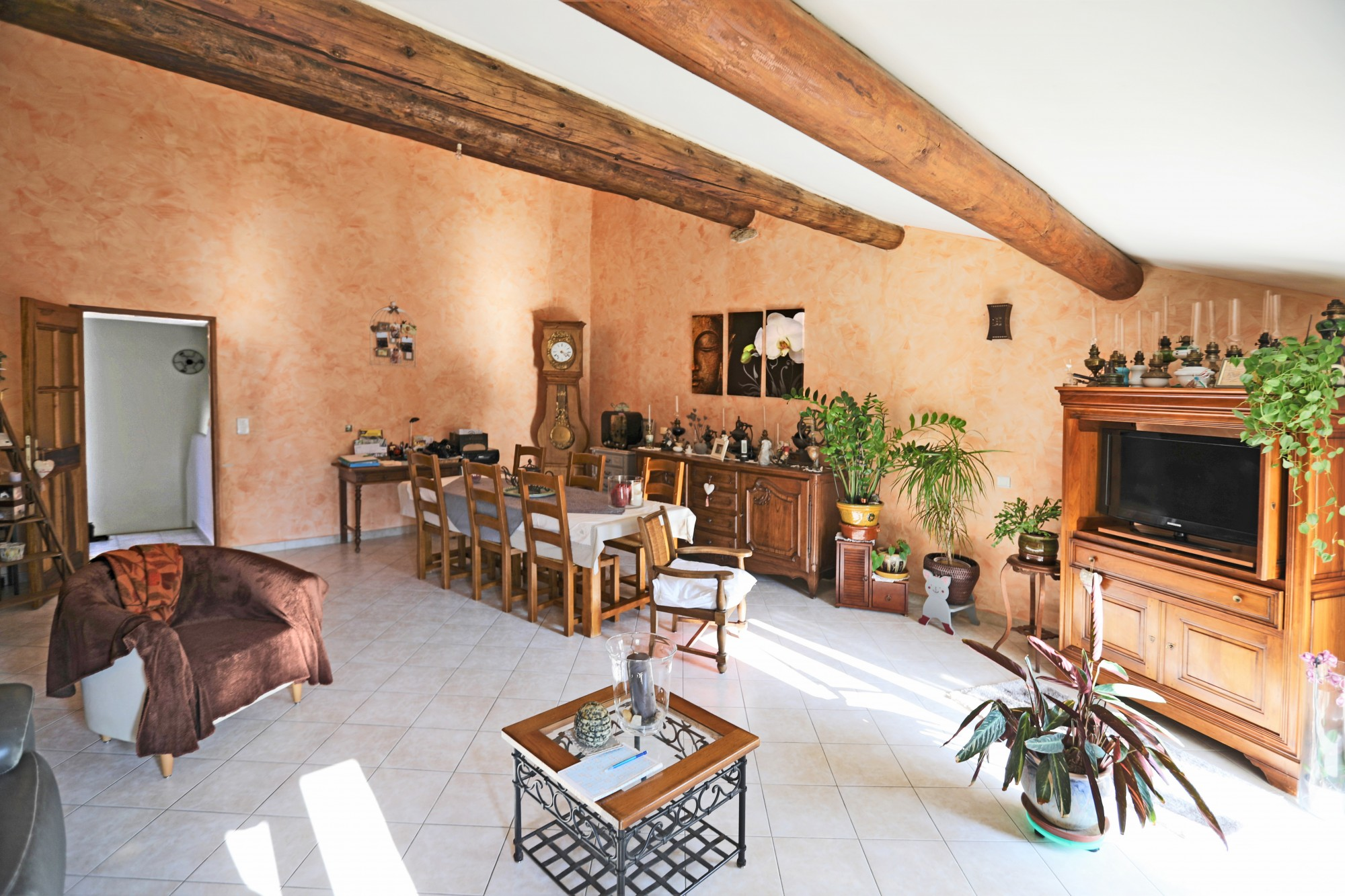 Ventes Face au Luberon, maison de village avec appartement ...