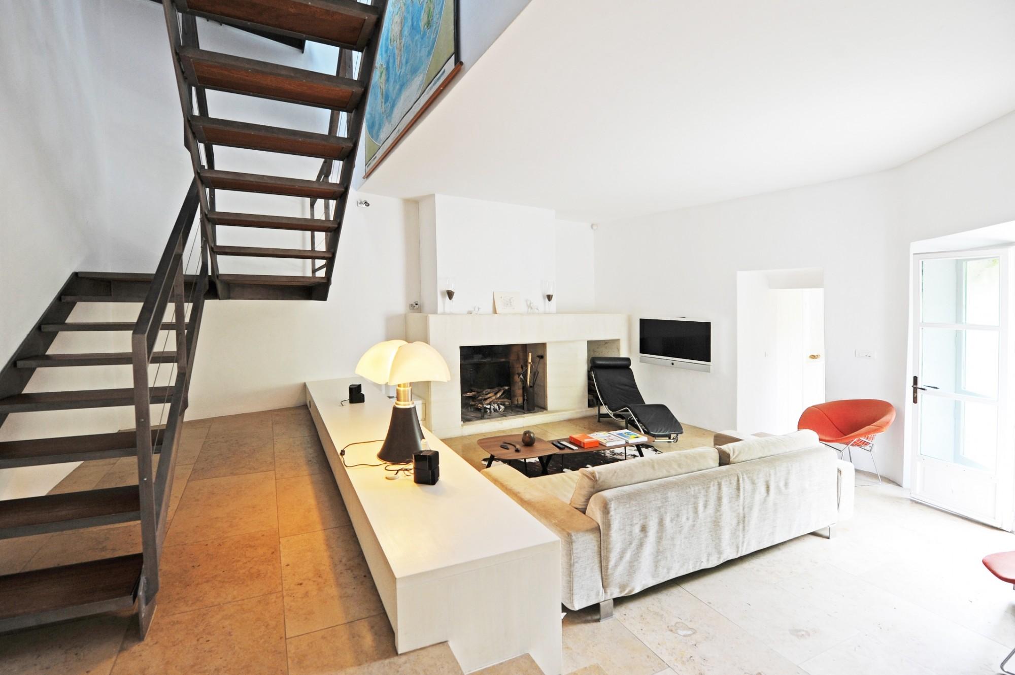 interior design iron staicase