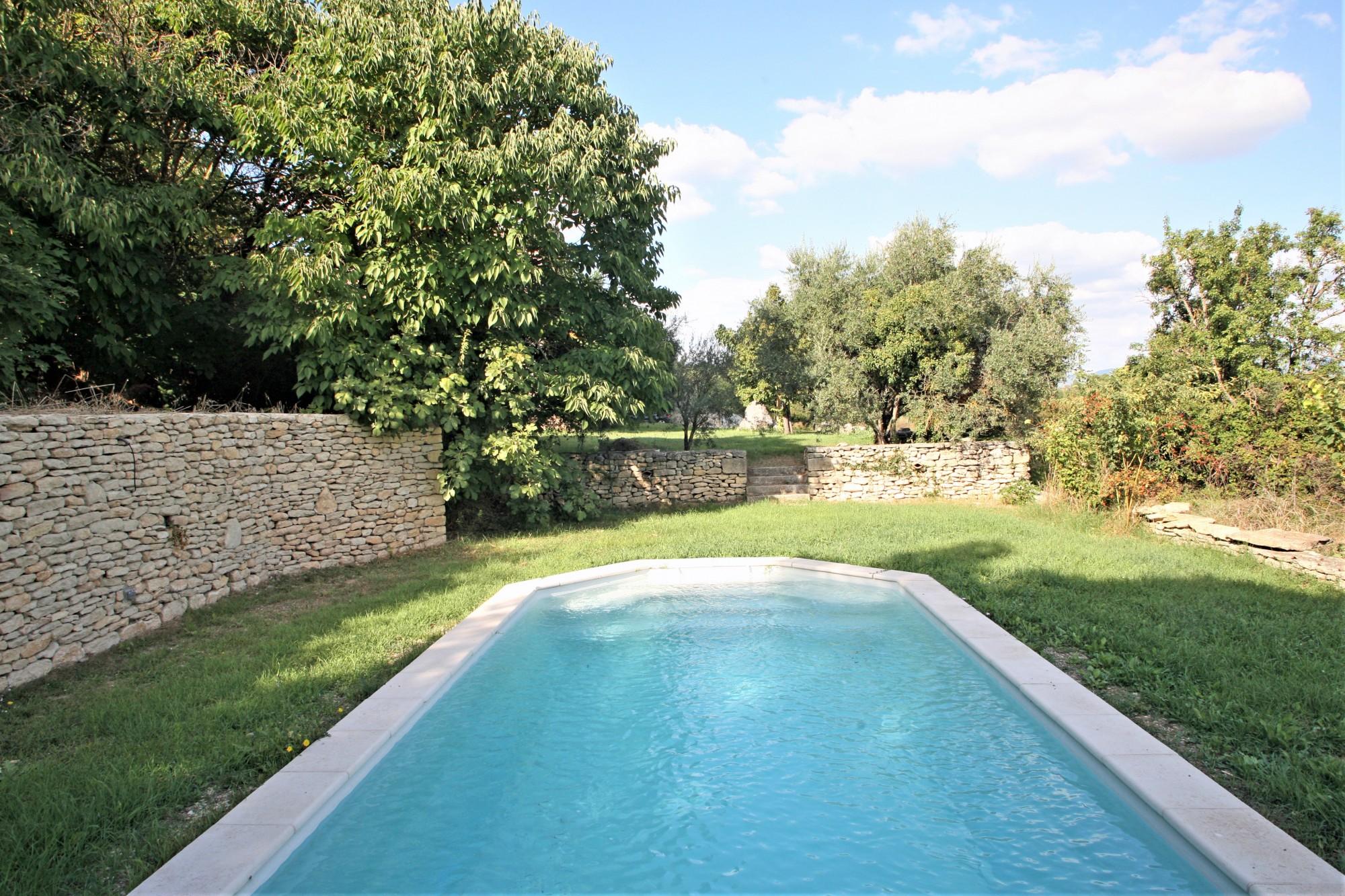 Ventes tr s beau mas en bordure de village avec piscine et for Bordure per piscine