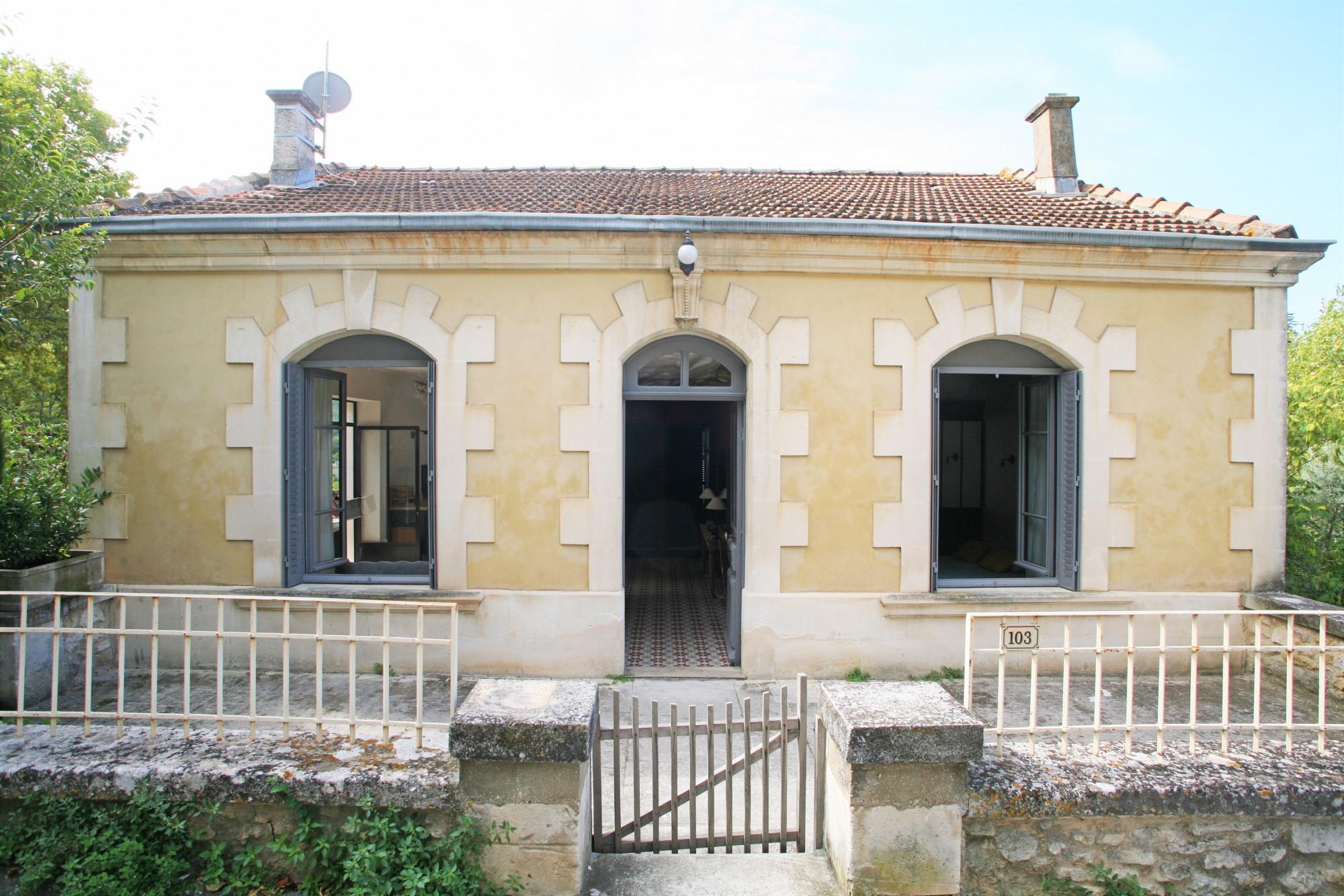 Ventes tr s belle maison des ann es 30 avec jardin et vue dans le village de m nerbes agence - Maison des annees 30 ...