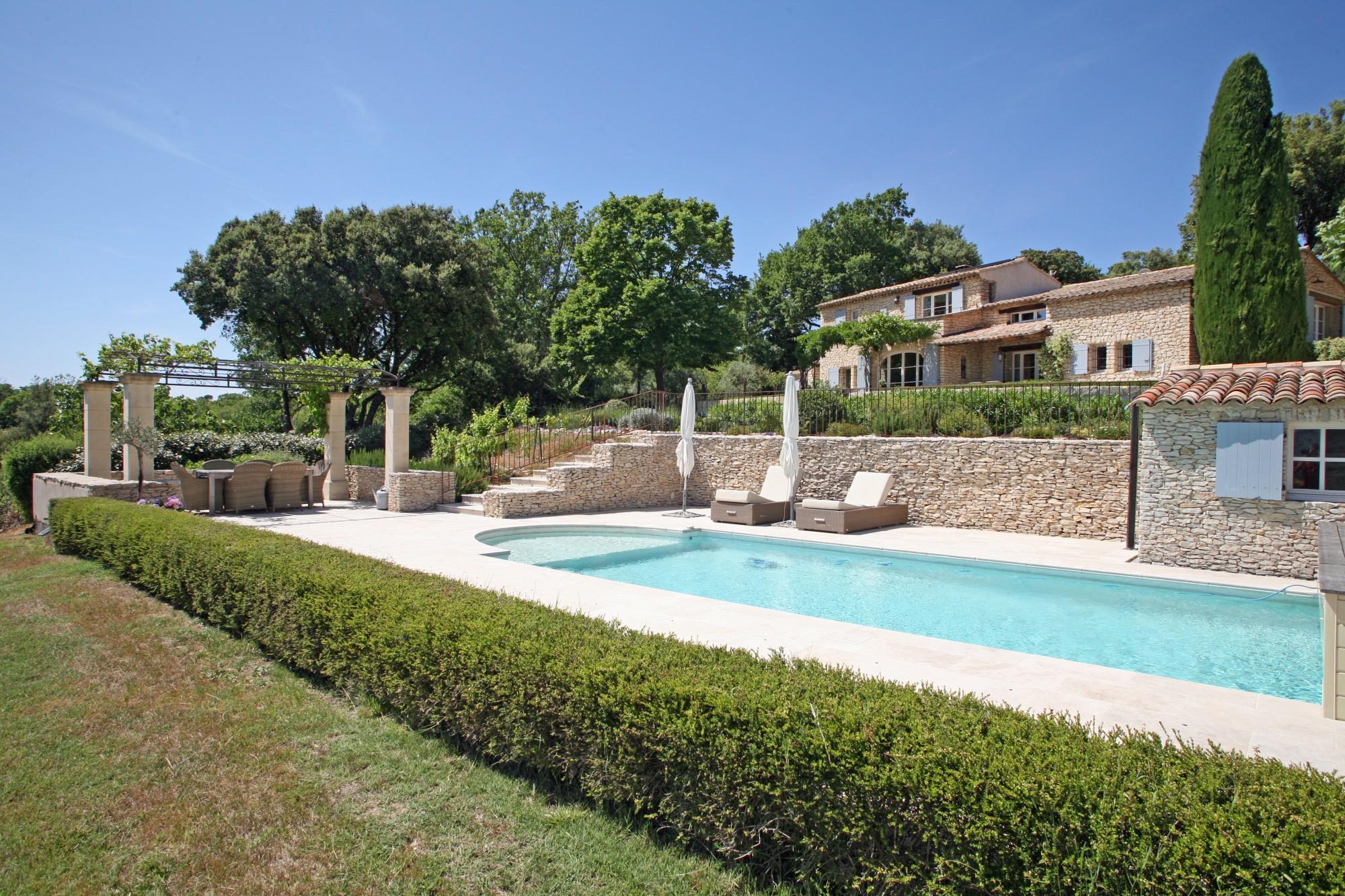 Ventes luberon maison en pierres avec piscine et vue - Location maison avec piscine luberon ...