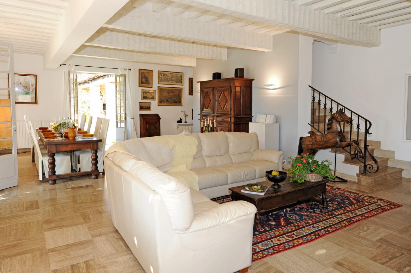 Superbe maison en pierre face au Luberon