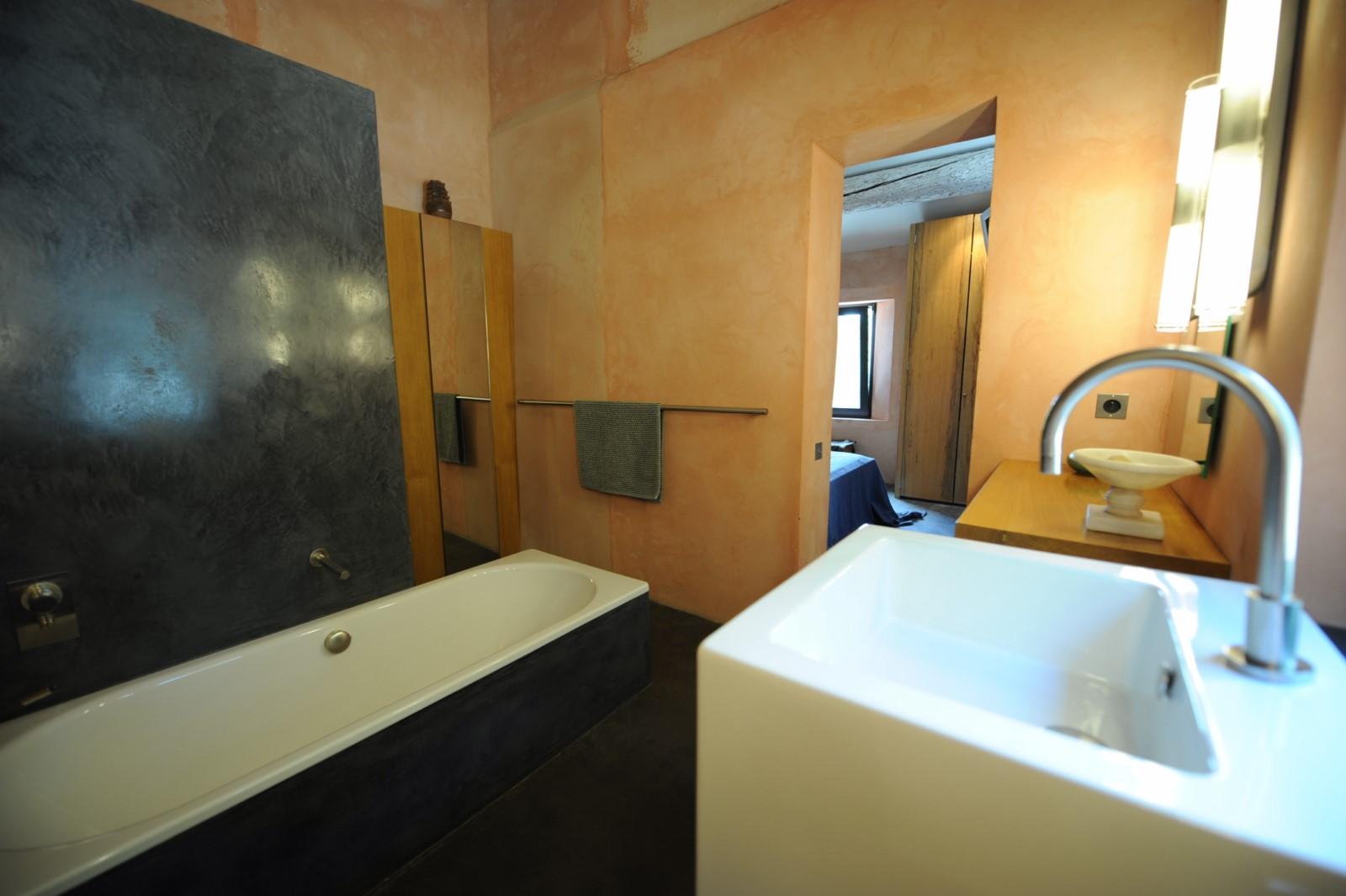 Confort et modernité pour cette belle maison à louer à Roussillon