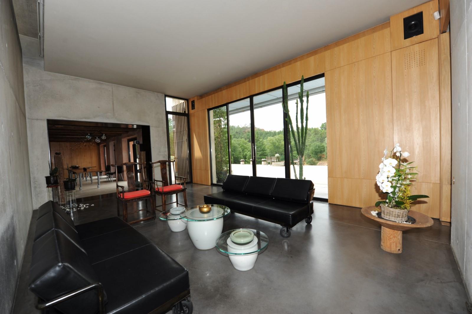 Maison très contemporaine à louer pour vos vacances en Provence
