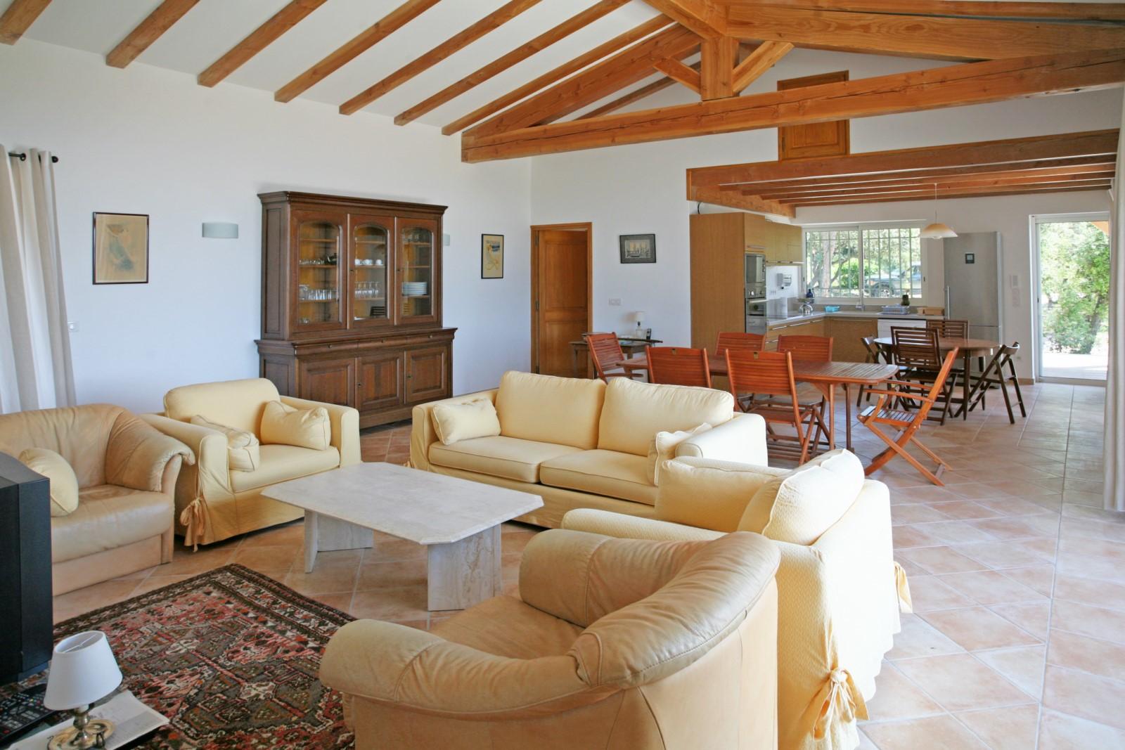 location locations saisonnieres le luberon vos pieds a. Black Bedroom Furniture Sets. Home Design Ideas