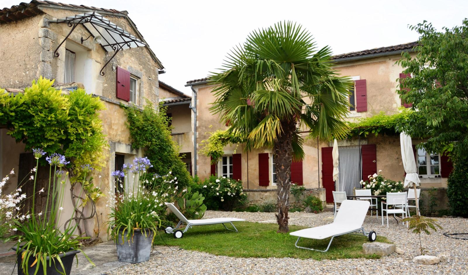 Mas Provençal avec cour intérieure