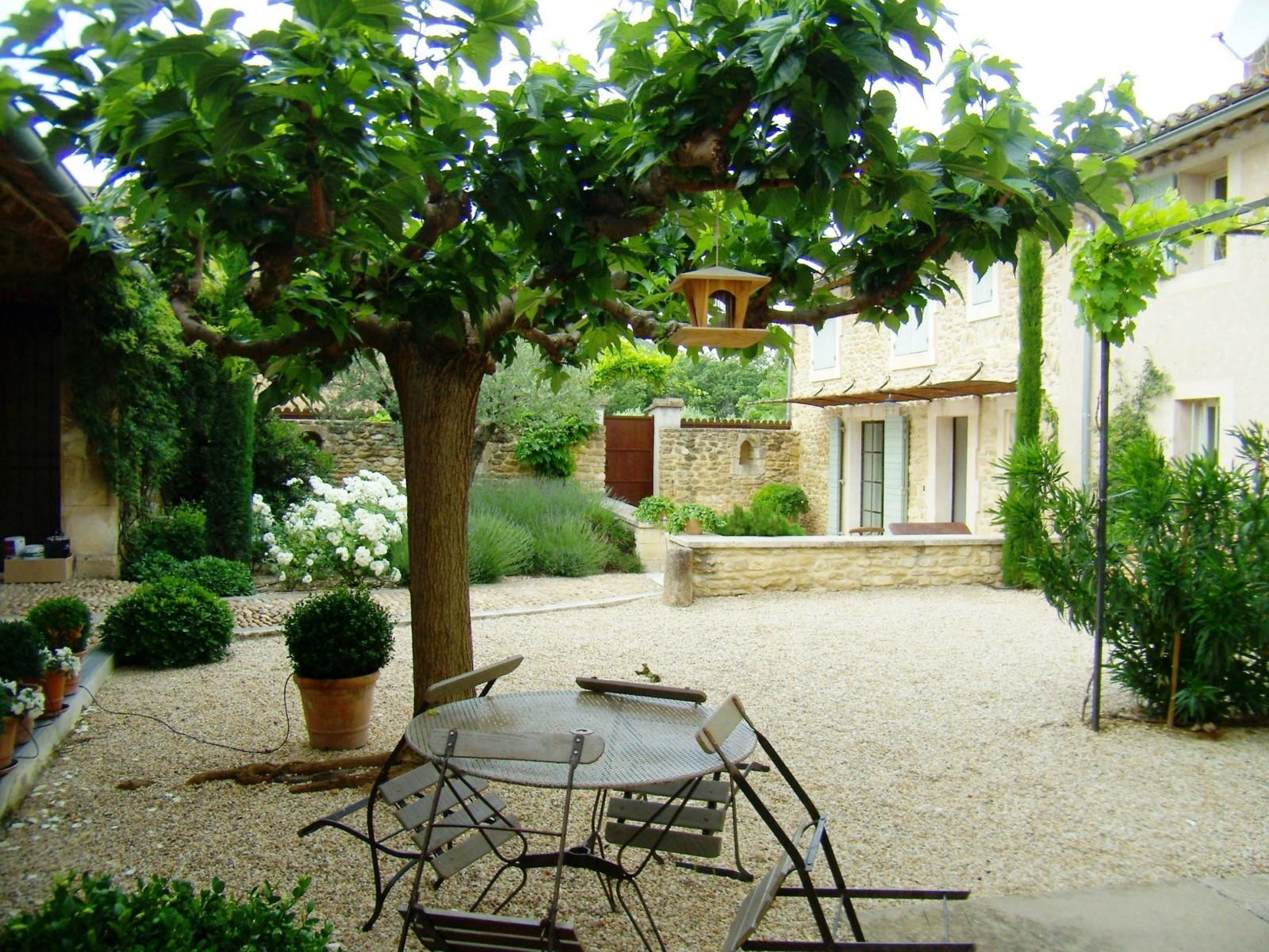 Charme discret des maisons de Provence