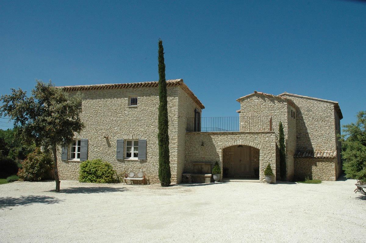 A louer à Gordes, belle maison