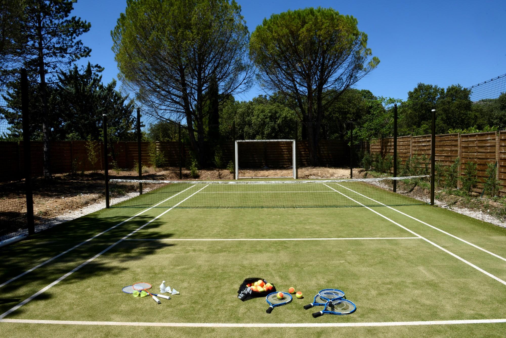 Gordes - Propriété d'exception aux prestations haut de gamme et avec tennis