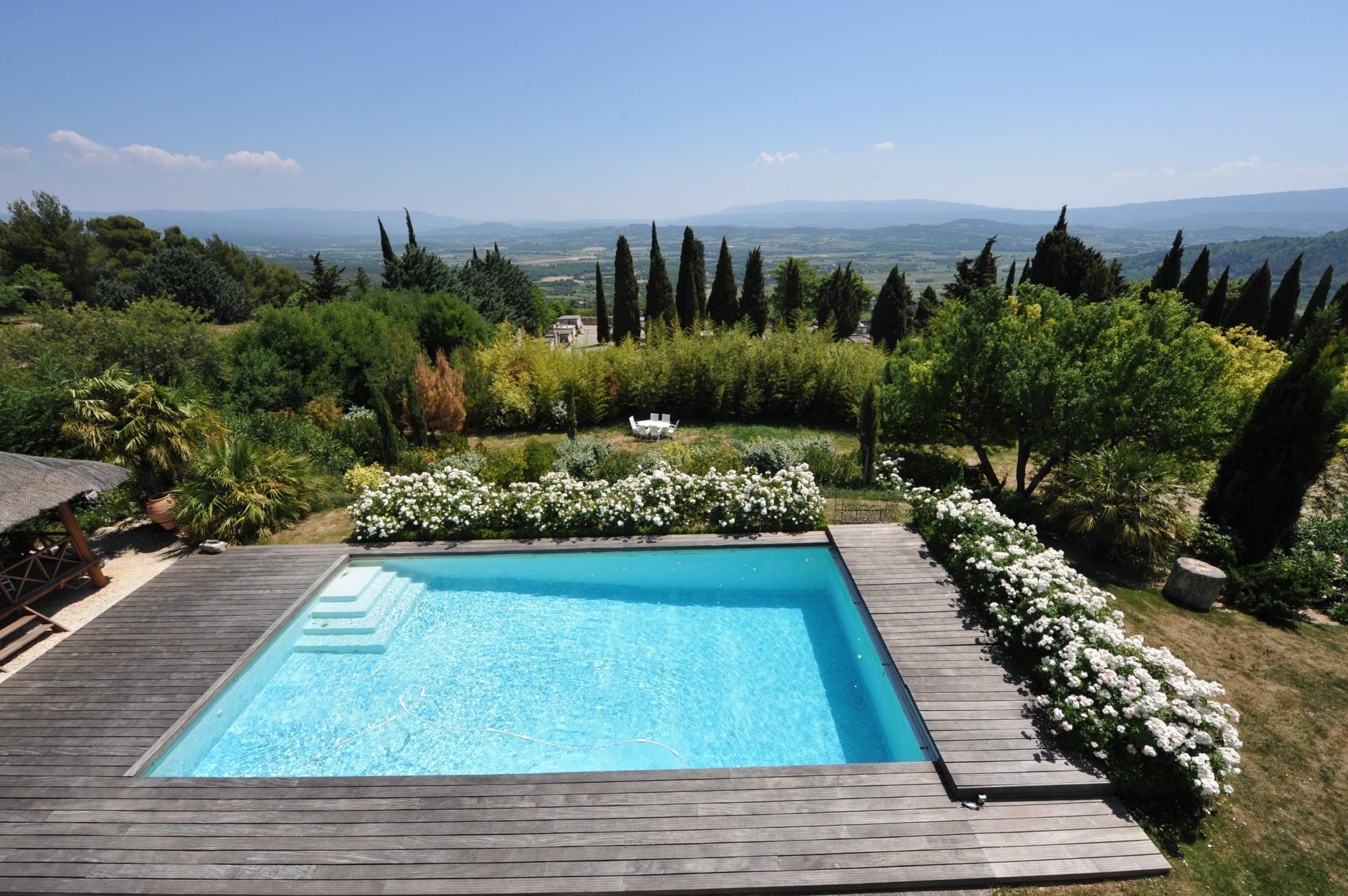 A louer pour les vacances à Gordes, vue dominante sublime