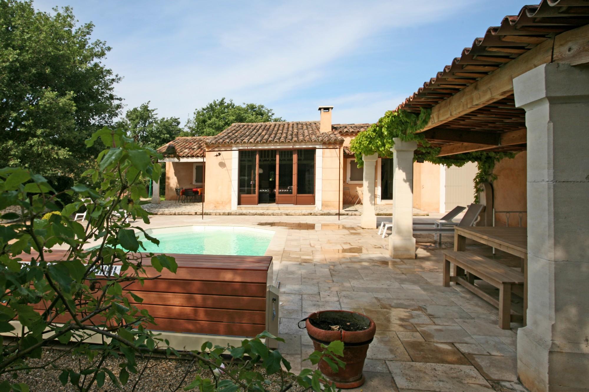 Location locations saisonnieres roussillon a louer en - Location maison avec piscine luberon ...