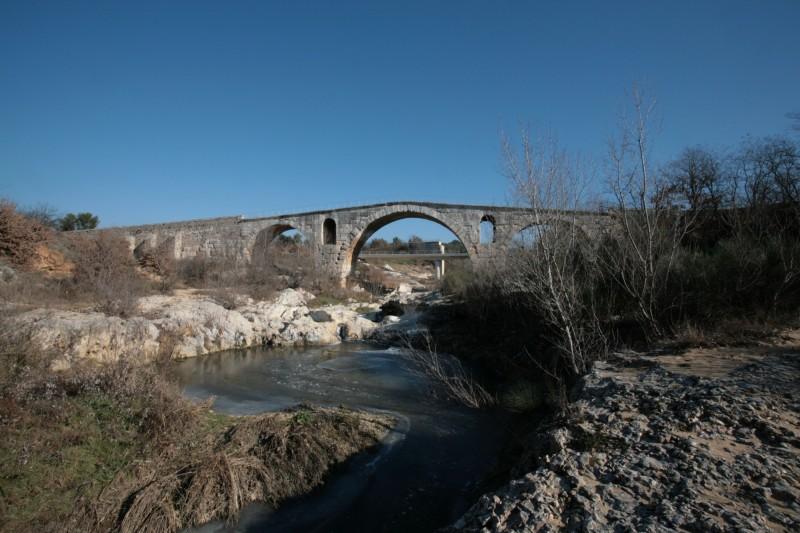Le Pont Julien à Bonnieux
