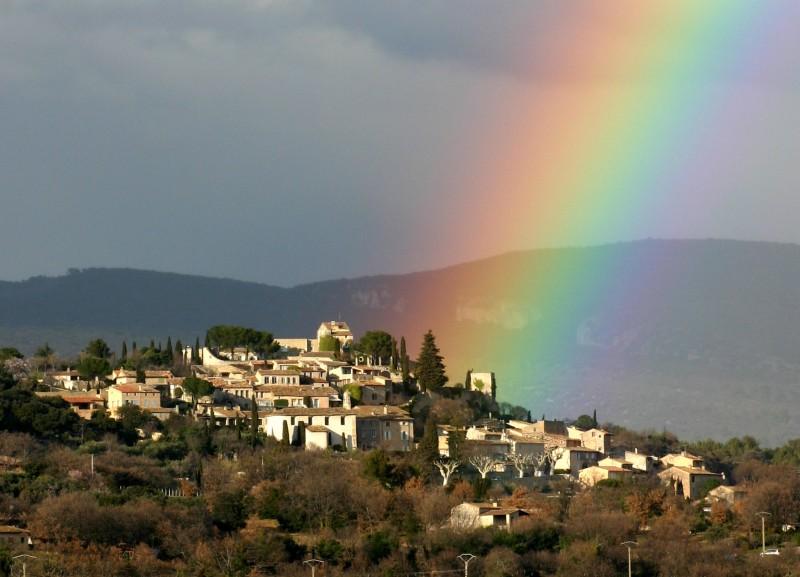 Arc-en-ciel sur Joucas en Luberon