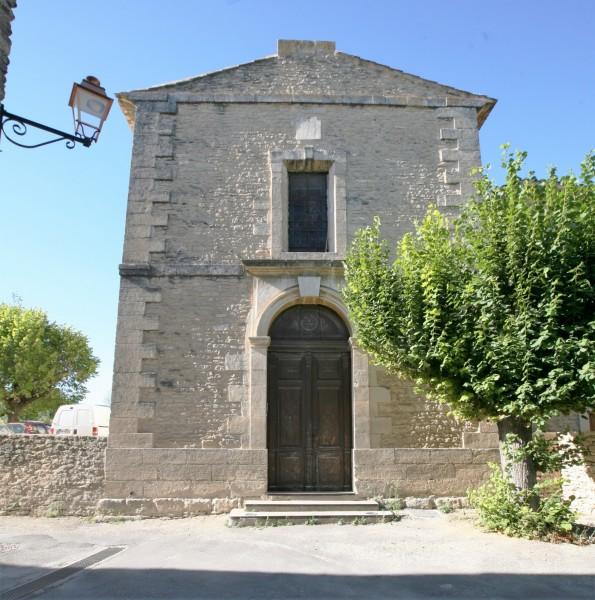La façade principale de l'église des Imberts