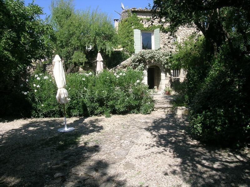 Location locations saisonnieres location saisonni re en luberon maison intimiste proche de - Maison a louer avec jardin wasquehal dijon ...