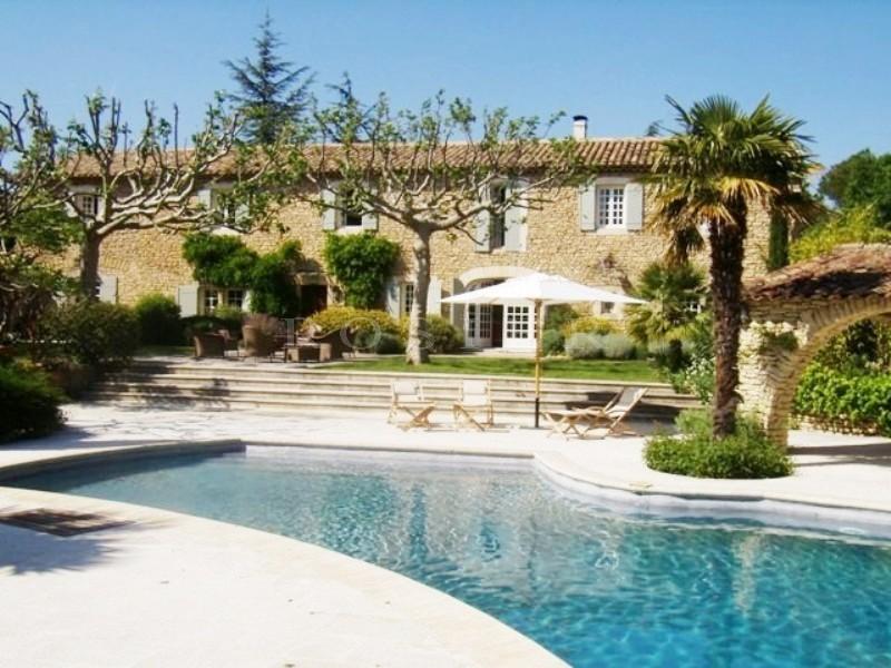 Location de vacances en Luberon, � louer, tr�s beau mas ancien, superbement restaur�, avec maison d
