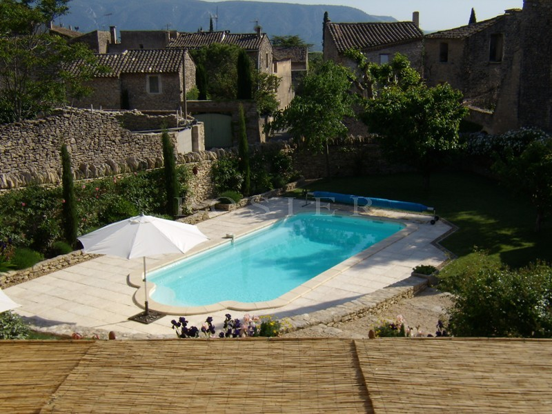 Location locations saisonnieres location de vacances en for Location gites luberon avec piscine