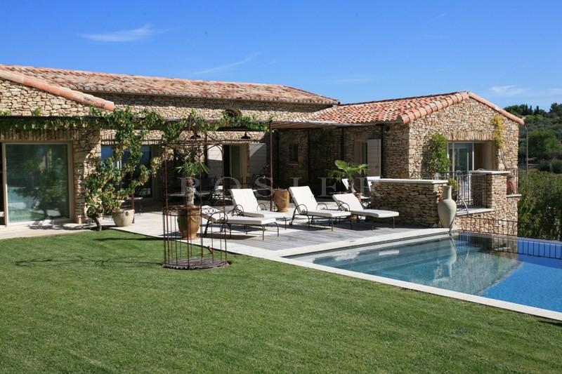 Ventes superbe maison moderne avec vue sur le luberon et for Piscine sud les dauphins grenoble