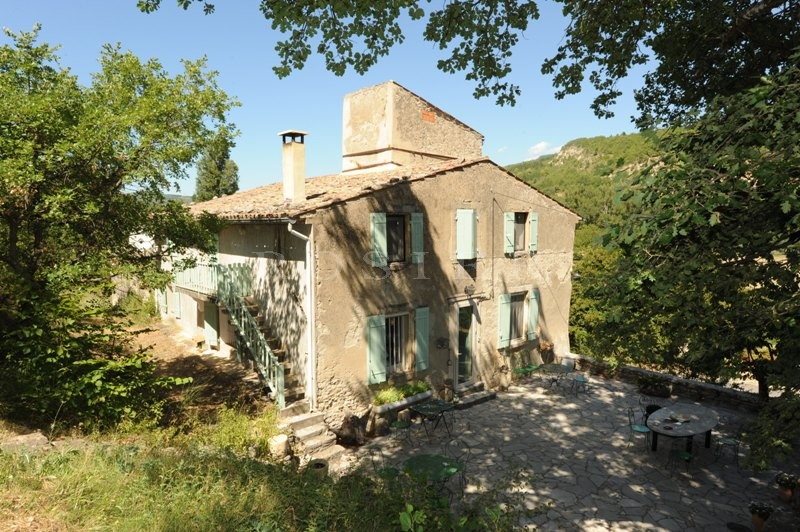 Ventes sur la partie sud des monts de vaucluse face au for Entree maison ancienne