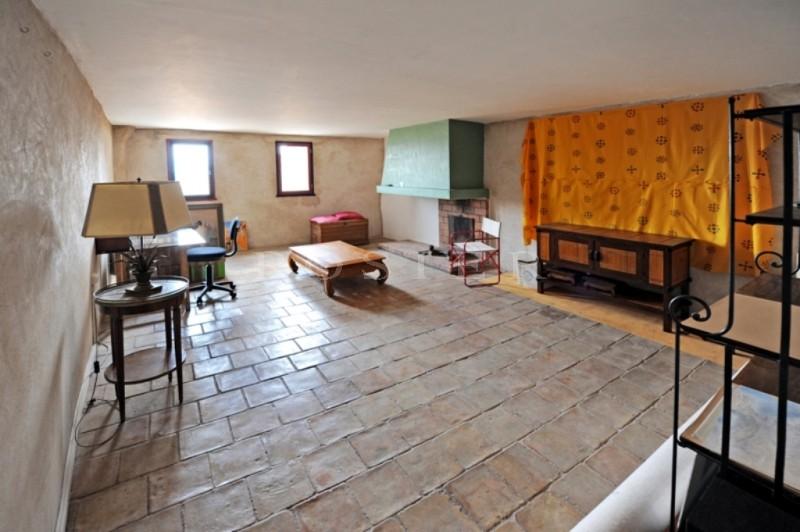 ventes luberon maison de village du 19 me si cle avec terrasse trop zienne pour une vue. Black Bedroom Furniture Sets. Home Design Ideas