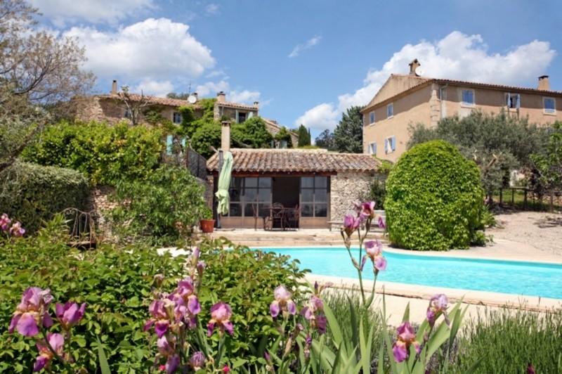 Maison de charme avec piscine à vendre au coeur d'un hameau