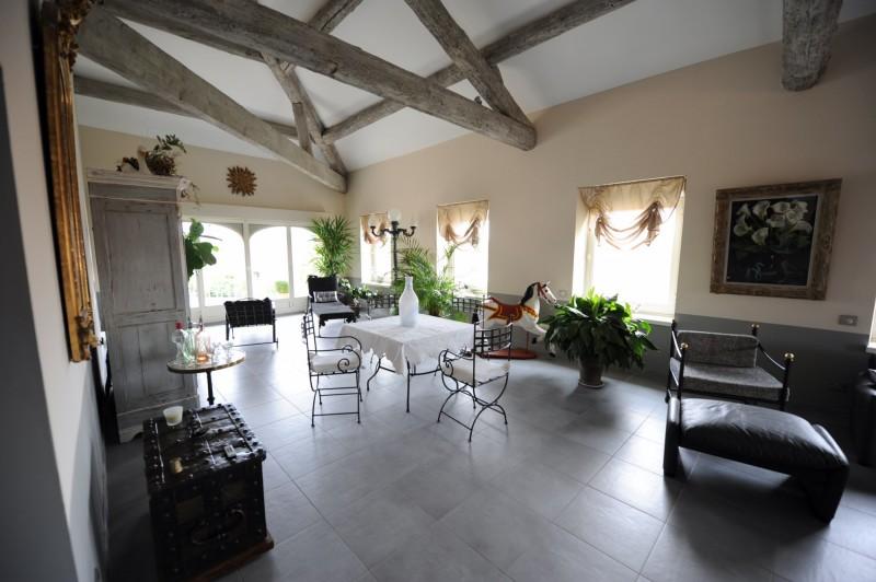 Grand appartement avec balcon à vendre aux portes du Luberon