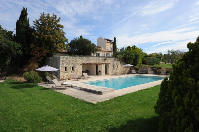 Belle propriété en pierres avec piscine en Luberon