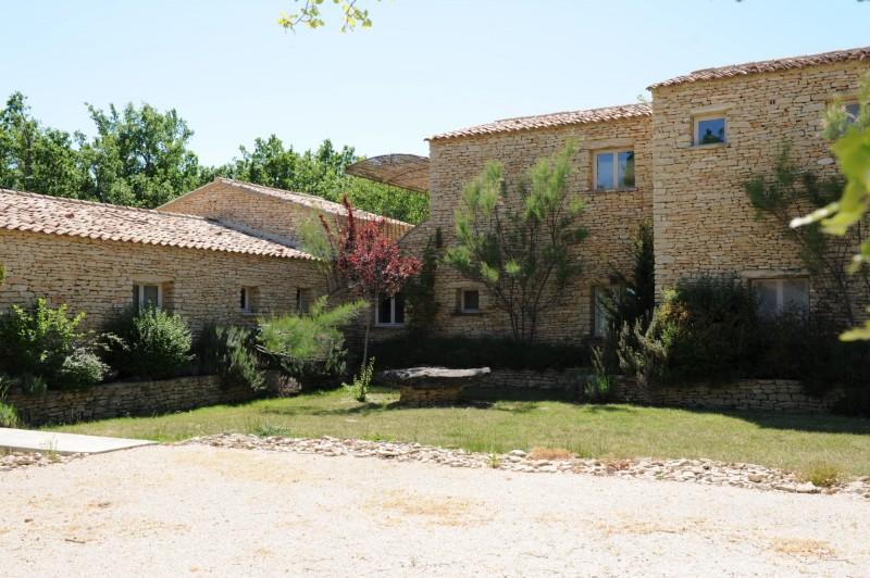 Maison en pierres à vendre dans le Luberon