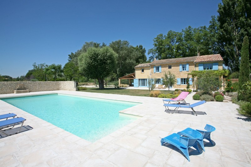 Mazet avec piscine à vendre dans le Luberon