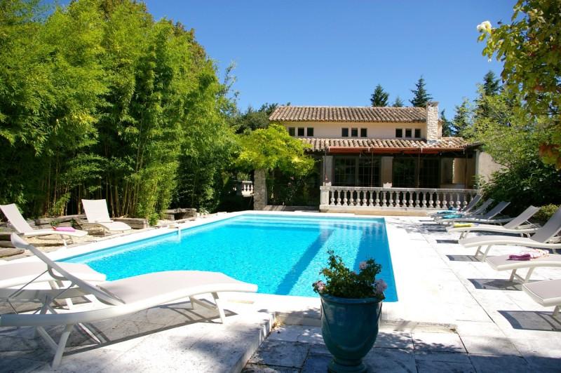 Propriété de charme avec piscine et vue sur Luberon