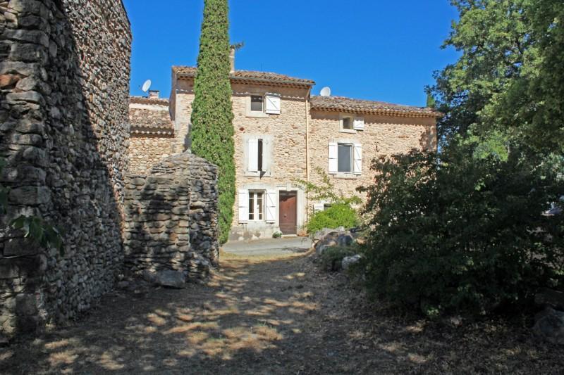 Maison ancienne avec jardin et piscine à vendre dans le Luberon