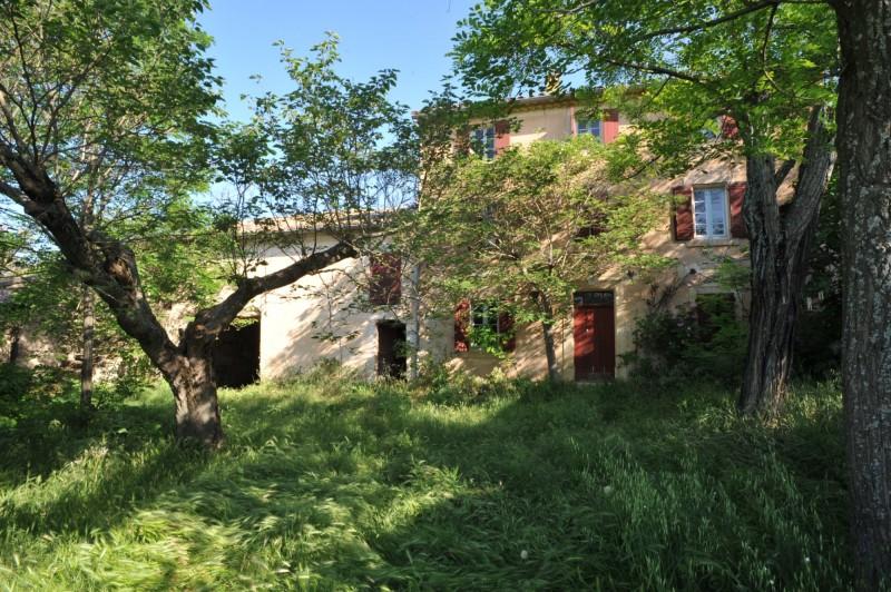 Authentique mas à restaurer en Luberon